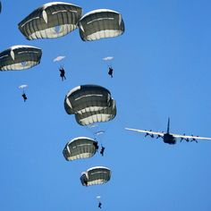 """""""@USArmy #Paratroopers assigned to 1st Battalion (Airborne), 501st Infantry Regiment descend after jumping out of a #C130 Hercules, assigned to the 374th…"""""""