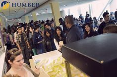 Hundreds of high school students invade the Lakeshore campus cafeteria during last week's successful Be Your Degree event! #Humber #BeYourDegree