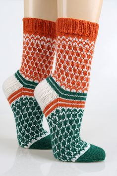 Neuen : Ravelry: neuehobbytheke & # s sokken # 11 , Fair Isle Knitting, Knitting Socks, Hand Knitting, Sewing Stitches, Knitting Patterns, Felted Slippers, Fabric Yarn, Wool Socks, Sewing For Beginners