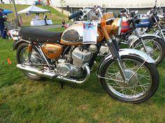 OldMotoDude: 1968 Suzuki T500 Cobra -- Japanese Category Award ...