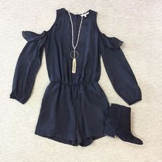 WEBSTA @ effiesinc - We are giving LSU the cold shoulder in today's #lookoftheday. This romper is perfect for this beautiful game day. Come see us from 10-4 before the tide rolls tonight! #SoEffies #coldshoulder #allblackeverythang #beatlsu #rolltide #shopttown