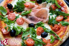 Najlepsza pizza. Najlepsze ciasto i idealny zestaw składników na wierzch pizzy.