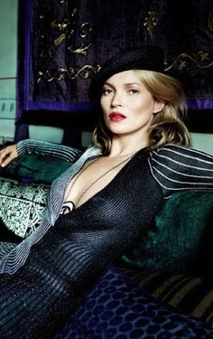 Kate Moss in Proenza Schouler. Photo by Mario Testino, Vogue Dec 2013