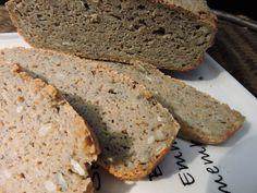 Weganski bezglutenowy chleb gryczano-owsiany z chia na zakwasie