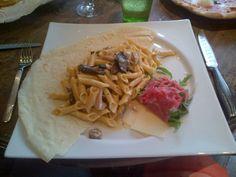 Garganelli del neurologo impazzito (lettino di carpaccio, rucola, pinoli, porcini, tartufo nero) @ Restaurant Don Leone