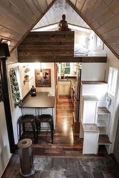 Tiny House Design Ideas To Inspire You; Easy Furniture DIY Projects For Interior… Tiny House Design Ideas To Inspire You; Easy Furniture DIY Projects For Interior Design; Cute Furniture Tiny House For Simple Life. Best Tiny House, Tiny House Cabin, Tiny House Living, Tiny House Plans, Tiny House Layout, Tiny House Design, House Layouts, Diy Interior, Home Interior Design
