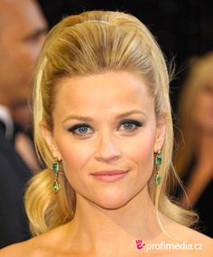 Reese Witherspoon, i migliori makeup e acconciature! - Ravedoll