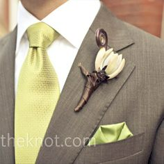 suit and tie color combo