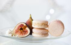 The macaron we're known for!-from Macaron by Patisse. If you want a unique but awesome combo, these will wow you Macaron Flavors, Macaron Recipe, Macaron Cookies, Just Desserts, Dessert Recipes, French Macaroons, Pub, Snacks, Fruit