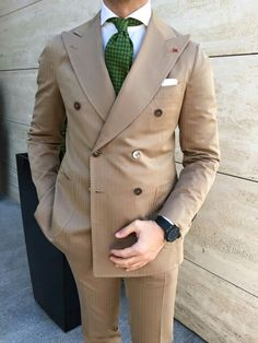 Discover recipes, home ideas, style inspiration and other ideas to try. Mens Fashion Wear, Best Mens Fashion, Suit Fashion, Dapper Suits, Mens Suits, Suit Combinations, Brown Suits, Gentleman Style, British Style