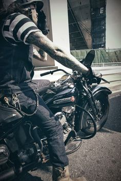 Harley + Easy Ride #Harley_Davidson #Biker_Fashion #Biker_Jeans Helmetcity.com