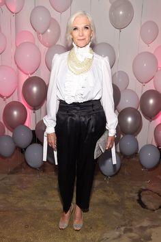 Maye Musk Maye Musk, Older Models, Advanced Style, Aging Gracefully, White Shirts, Forever Young, Timeless Beauty, Older Women, Crossdressers