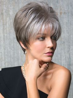 How to style the Pixie cut? Despite what we think of short cuts , it is possible to play with his hair and to style his Pixie cut as he pleases. Grey Wig, Short Grey Hair, Short Hair Cuts, Pixie Cuts, Short Stacked Hair, Short Pixie Haircuts, Pixie Hairstyles, Short Hairstyles For Women, Haircut Short