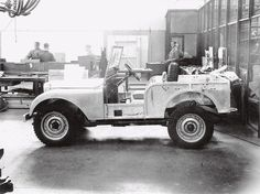 The original photo of the center steer prototype and blueprint.