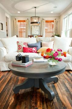 Living room design-love how the design makes you feel at home and the accent colors are bright and cheery. This would work well in my living room as we don't want anything formal-just a casual room to watch sports and entertain family/friends! My Living Room, Home And Living, Living Room Decor, Living Spaces, Dining Room, Dining Table, Cottage Living, Small Living, Cozy Living