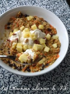 Les Aventures culinaires de Kiki: Gruau d'avoine coupée aux carottes et à l'orange ou presque un gâteau aux carottes pour déjeuner!