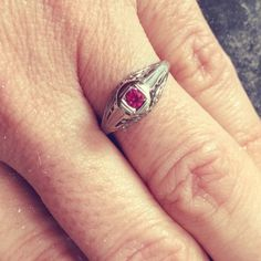 I Don't Think I Want A Diamond Engagement Ring. But What Else Is There? ⋆ Katie Callahan & Co.