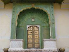 Bijzonder mooie plek voor inspiratie   India #door #green