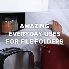 Amazing Everyday Uses For File Folders DIY hacks organization space kitchen Diy Hacks, Home Hacks, Cleaning Hacks, Folder Diy, Simple Life Hacks, Awesome Life Hacks, Diy Videos, Hacks Videos, Kitchen Hacks