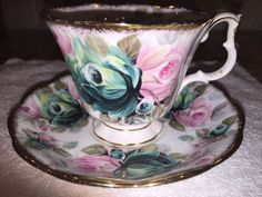 """ROYAL ALBERT ROSES SUMMER BOUNTY """"JADE"""" TEA CUP AND SAUCER SET- GREAT CONDITION…"""