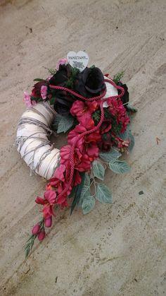 Vence, Funeral Flowers, Nostalgia, Floral Wreath, Wreaths, Decor, Floral Arrangements, Crowns, Flowers