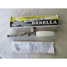 DANELLA CARPET NEEDLE IN ORIGINAL BOX AND INSTRUCTIONS - MADE IN DENMARK - AS PER SCAN