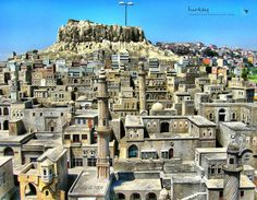 At least once in your life you should go and visit the ancient city of Mardin, Turkey Turkey Europe, Turkey Travel, Cool Places To Visit, Places To Go, Republic Of Turkey, Visit Turkey, Beautiful Mosques, Stone Houses, Beach Holiday