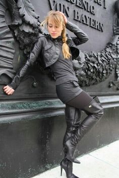 Sexy Boots for women and men from Sexy Shooz UK. Ankle Boots, Knee Boots, Thigh High Boots plus Crotch and Chap Boots Thigh High Boots Heels, Hot High Heels, Sexy Heels, Heeled Boots, Shoes Heels, Dress Shoes, Fashion Boots, Leather Fashion, Leather Outfits