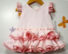 Traje de gitana Baby Girl Dresses, Little Dresses, Kids Party Treats, Princess Tutu, Family Costumes, Baby Girl Fashion, Kids And Parenting, Kids Outfits, Summer Dresses