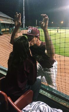 Ideas para fotos goals con tu novio - fire away paris - Wanting A Boyfriend, Boyfriend Goals, Future Boyfriend, Baseball Boyfriend, Baseball Boys, Baseball Couples, Sports Couples, Boyfriend Pictures, Baseball Pictures