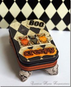 Creepy Altered Altoid Tin : Creative Home Expressions Halloween Projects, Vintage Halloween, Halloween Crafts, Holiday Crafts, Halloween Designs, Creepy Halloween, Halloween 2020, Fall Crafts, Miniatures
