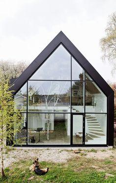 Beautiful windows - Danish House Architects - Tiny Garden Cottage - Alice World Architecture Windows, Architecture Design Concept, Architecture Résidentielle, Futuristic Architecture, Contemporary Architecture, Contemporary Houses, Sustainable Architecture, Modern Barn House, Modern House Design