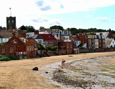 Beautiful North Berwick, near our home in Dunbar. Bunneys deli and cafe on the High Street sells #IceDelight.