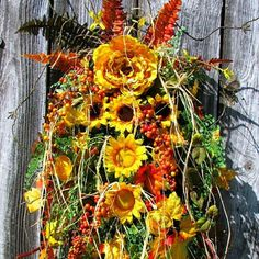 """Pure """"T"""" rustic Sunflower HAPpY Fall Y'all elegance for your door!😀And, I'm in Sale mode! Plus, I've reduced many Fall items including this one which sold for 94.00!🙌💮🎈🍁💮🎈🍁"""