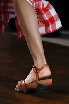 6838c102188 See detail photos for Stella McCartney Spring 2016 Ready-to-Wear  collection. Beautiful