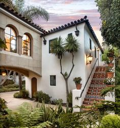 spanish style homes 4015 Bajada Ln, Santa Barbara, CA 93110 Hacienda Style Homes, Mediterranean Style Homes, Spanish Hacienda Homes, Mexican Hacienda, Spanish Colonial Homes, Spanish Revival Home, Spanish Style Homes, Spanish Style Interiors, Spanish House Design