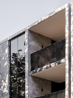 Open House | Alexandra Penthouse by Dita Studio Indoor Outdoor Living, Outdoor Fire, Outdoor Dining, Parquetry Floor, Suburban House, Australian Architecture, Elegant Kitchens, Open Window, Ceiling Windows