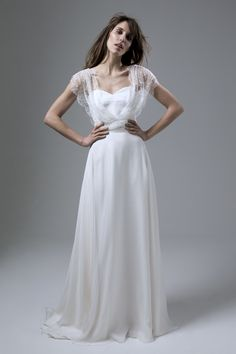 Halfpenny_London_2016_Lace_Cover_Up_Wedding_Dresses_Lizzy