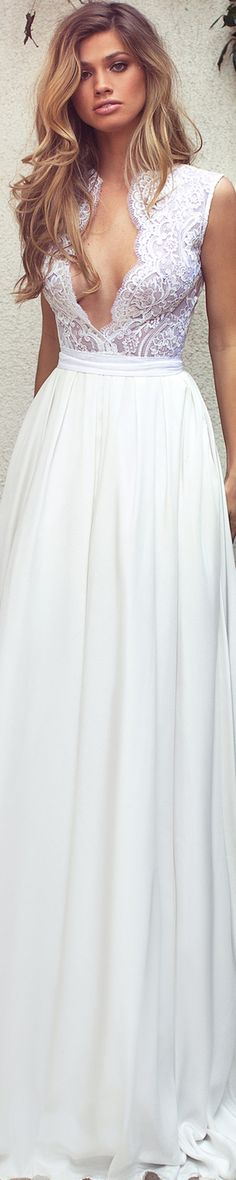 aside for the revealing necklines, they would make an amazing bridal dress. Evening Dresses, Prom Dresses, Formal Dresses, Sexy Dresses, Dream Wedding Dresses, Wedding Gowns, Fashion Vestidos, Glamour, Beautiful Gowns