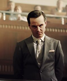 Andrew Scott plays THE best Moriarty. A complete psycho! And I kind of love it..