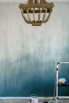 31 Admirable Ombre Wall Paint Ideas For Your Interior Blue Accent Walls, Accent Wall Bedroom, Teal Walls, Blue Accents, Diy Ombre, Blue Ombre, Ombre Painted Walls, Ombre Walls, Diy Wall Painting