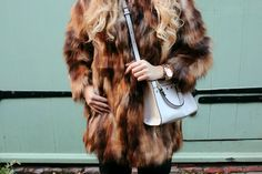 OUTFIT OF THE DAY | Oversized Faux Fur Coat