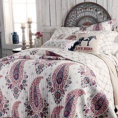 Paisley Print and horse inspired toss pillows Types Of Furniture, New Furniture, Furniture Making, Bedroom Furniture, Rustic Bedroom Design, Farmhouse Master Bedroom, Bedroom Designs, Bedroom Ideas, Bedroom 2018
