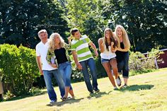 Outdoor Photography Poses family with Teens | Family that Plays Together…Stays Together | Modern Outdoor Family ...