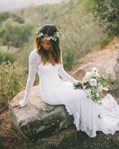 47 Wonderful Bohemian Wedding Dress Ideas For the bride who wants to feel dreamy and effortless on her wedding day, boho wedding dresses achieve a style that evokes a sense of wonder and whimsy. White Lace Wedding Dress, Lace Mermaid Wedding Dress, Bohemian Wedding Dresses, Perfect Wedding Dress, Dream Wedding Dresses, Bridal Dresses, Bridesmaid Dresses, Maxi Dresses, Bohemian Weddings