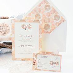 Invitación de boda con motivos florales en tonos pasteles. Wedding Invitation with an attractive floral pattern in pastel tones: Montmartre www.azulsahara.com