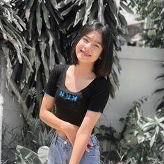 Cute Friend Pictures, Cool Girl Pictures, Girl Photos, Short Hair Korea, Girl Short Hair, Teen Girl Photography, Photography Poses Women, Cute Girl Face, Cute Girl Photo