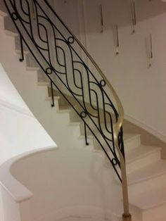 modern stair railing ideas iron safety grill design for staircase Steel Stair Railing, Staircase Railing Design, Modern Stair Railing, Wrought Iron Stair Railing, Staircase Handrail, Balcony Railing Design, Modern Stairs, Railing Ideas, Stair Treads