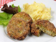 Kapustové karbanátky s bramborovou kaší – Snědeno.cz Sauerkraut, Mashed Potatoes, Hamburger, Cabbage, Muffin, Veggies, Vegetarian, Treats, Dinner