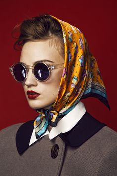 Take a look and get inspired. Fashion Poses, Fashion Shoot, Editorial Fashion, Fashion Ideas, Portrait Photography, Fashion Photography, Hair Scarf Styles, Head Scarf Tying, Beauty Shots